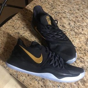 Nike Kyrie 2 Low Basketball Shoes